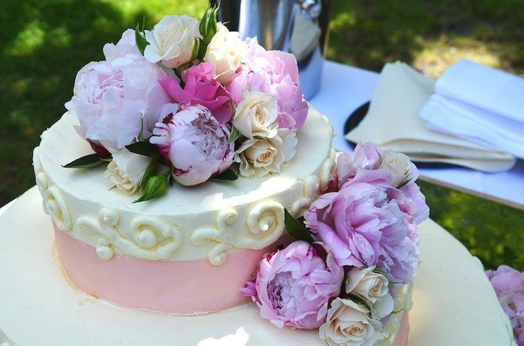 How to plan a wedding - cake