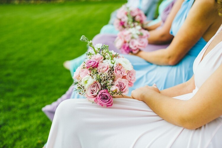 How to Be a Brilliant Bridesmaid - Bridesmaid's Flowers