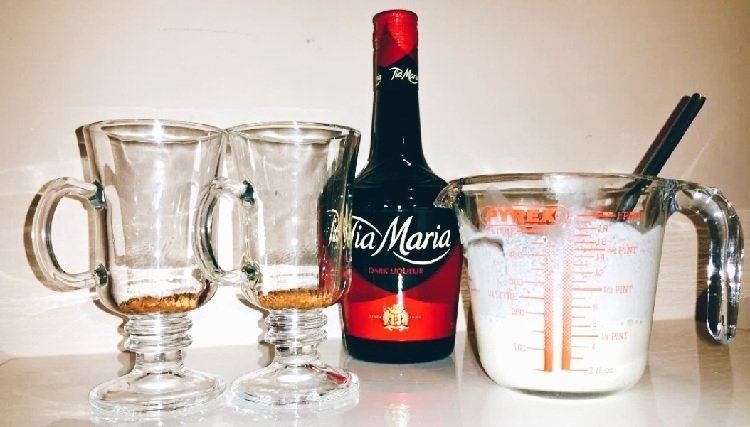 How to Make the Perfect Coffee Float