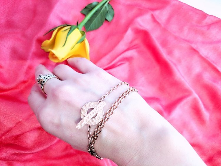 Think Positive Chain on Wrist
