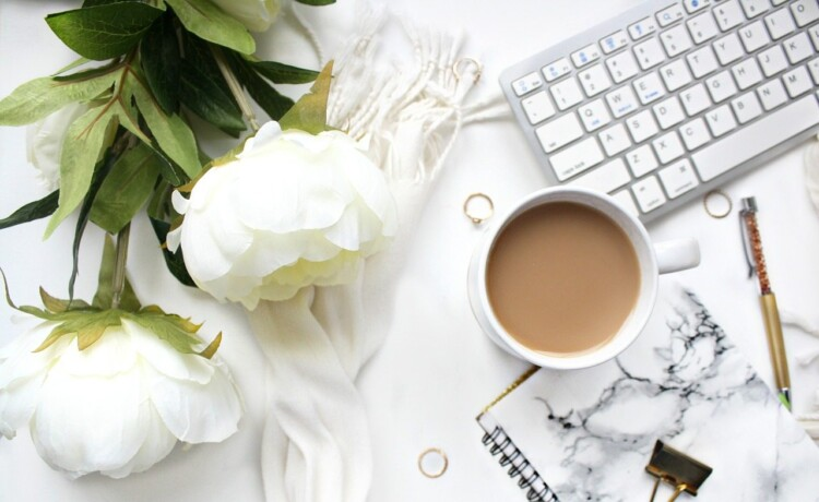 How to Become a Paid Blogger or Freelance Copywriter With No Qualifications - Desk Flatlay