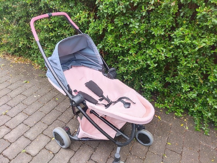 Quinny Zapp Flex Plus Review - Fully Reclined