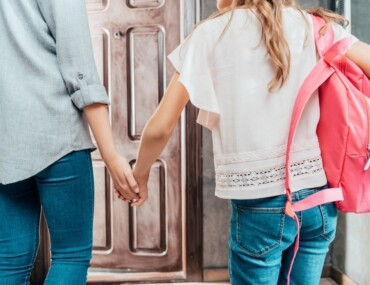 Back to School Hacks - Mum Saying Goodbye to Daughter