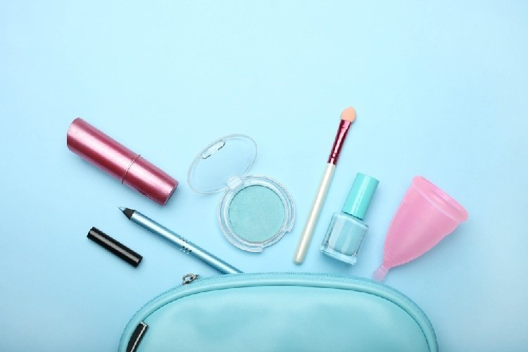 Menstruation Cup Sizes - Make Up Bag Containing Feminine Products