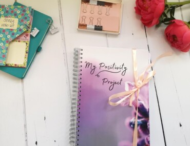Journaling For Mindfulness: Improve Your Mental Health + Tips to Get Started!