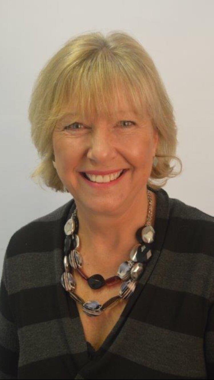 Mig Bennett, Relationship Counsellor